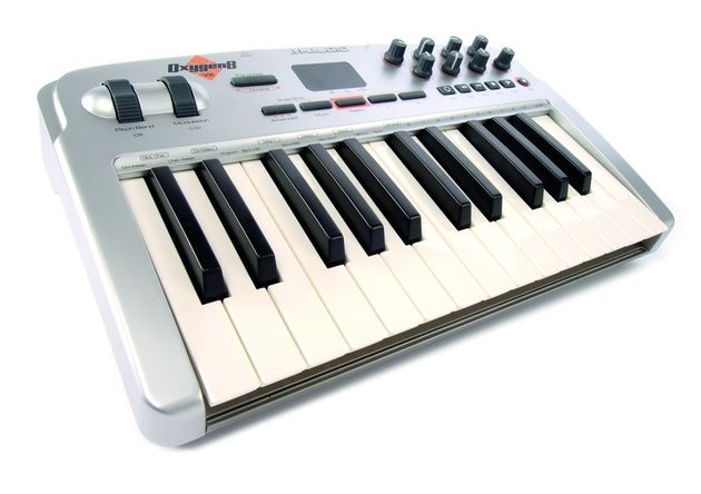 M Audio Oxygen8 Midi keyboard
